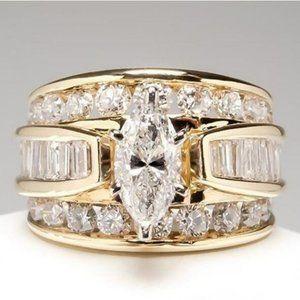 *NEW Yellow Gold Rhombus Baguette Diamond Ring